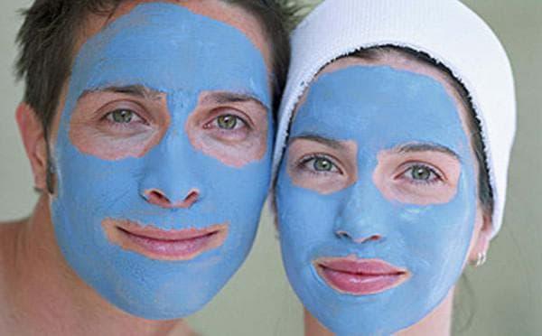 маски из голубой глины против прыщей