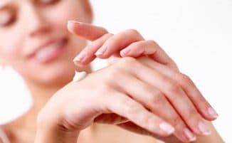 руки и крем