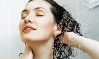 применение шампуни женщиной