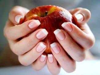 жёлтые ногти после процедуры шеллак
