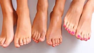 почему ломаются ногти на ногах у женщин