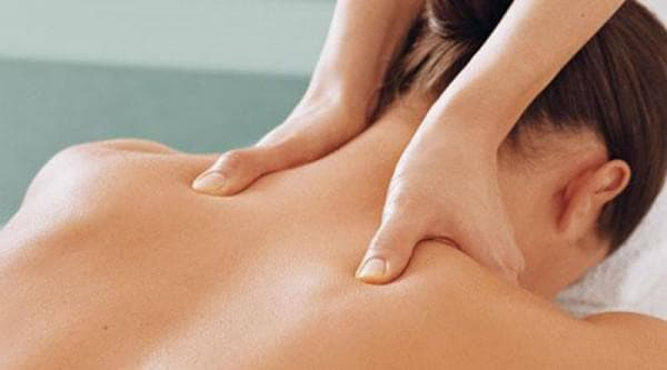 массаж шейного отдела женщине