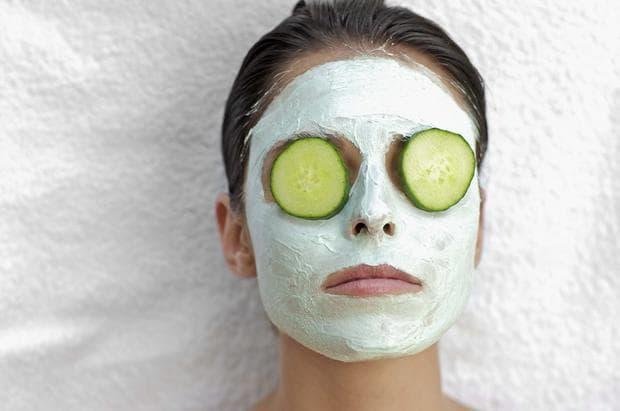 маска из свежих огурцов со сметаной для лица