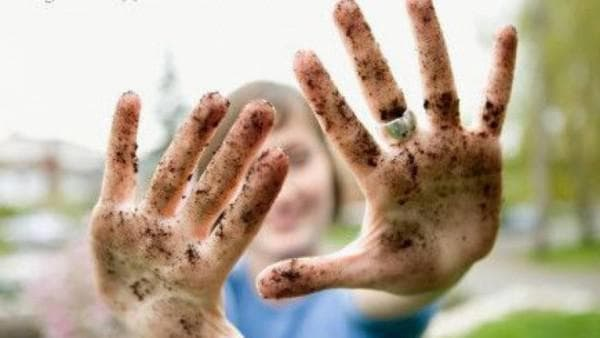 Частые касания шеи грязными руками