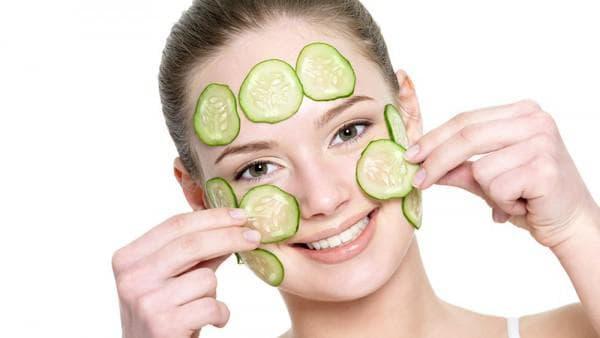 питательная маска для лица с огурцом