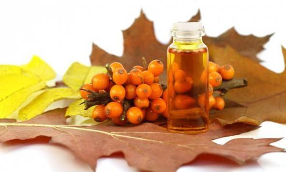 касторовое масло и ягоды облепихи
