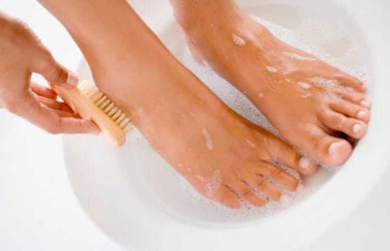 распаривание ног от бородавок