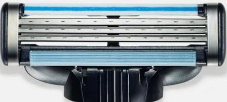 Рекомендуется применение специальных моделей для бритья с плавающей головкой.