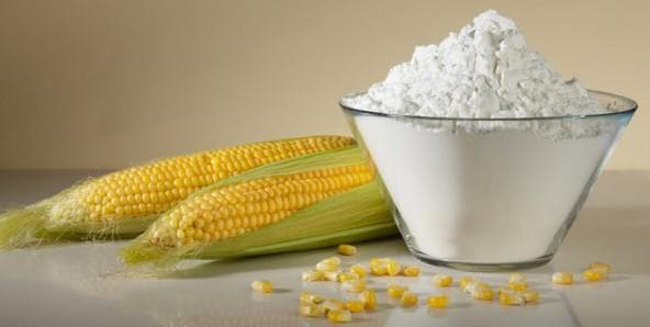 В народной медицине большим спросом пользуется маска на основе кукурузного крахмала и уксуса
