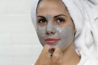 чёрная глина против воспалений на лице