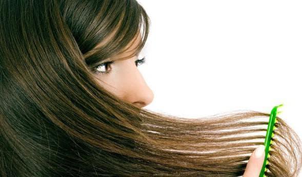 нанесение спирта на волосы