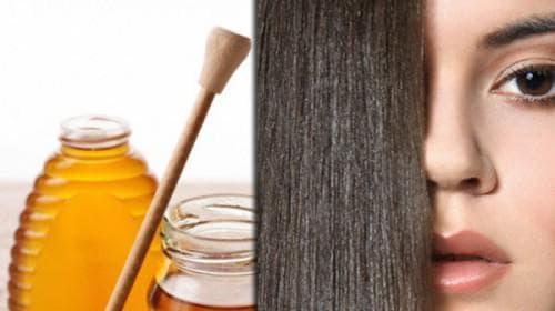 нанесение мёда на волосы