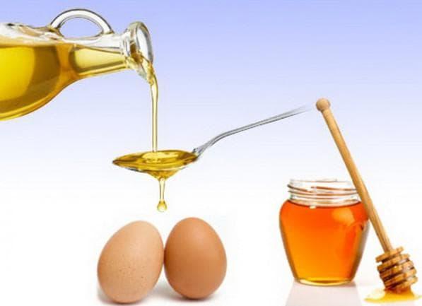 яичный желток, мёд и коньяк