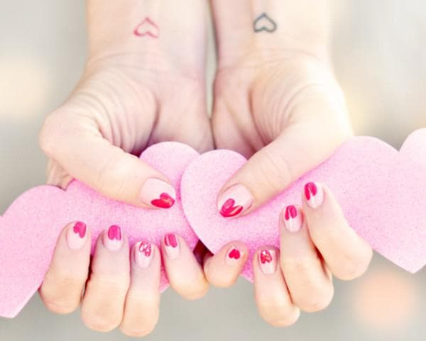 химические реакции на ногти