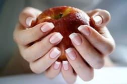 сколько должен держаться гель лак на ногтях