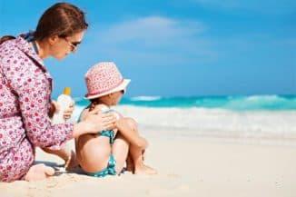 дети и солнцезащитный крем