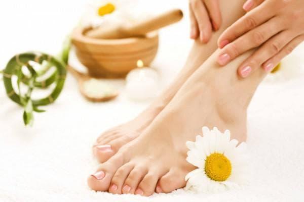 касторовое масло на пальцах ног