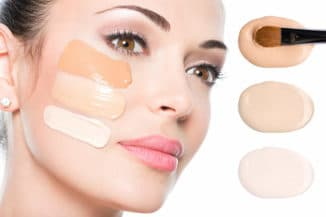 нанесение мерцающей основы под макияж