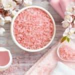 Как делать ванночки для ногтей с солью